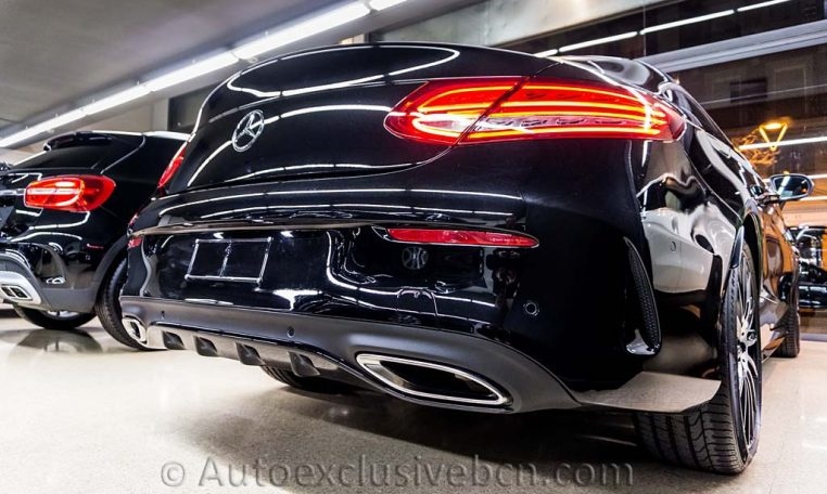 Mercedes-C-300-Coupè---AMG---Negro---Piel-Roja--Auto-Exclusive-BCN---Concesionario-Ocasion-Mercedes-Benz-Barcelona_DSC3581